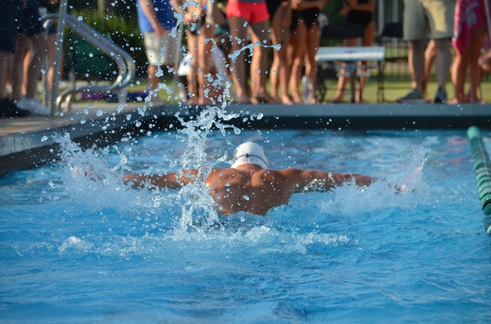 mustang swimmer 2019