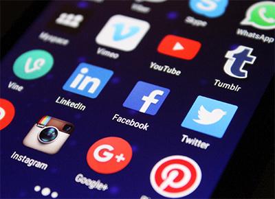 social media free pix