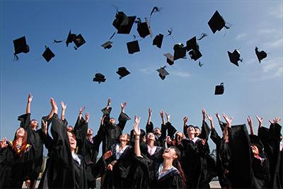 free graduation picture.jpeg